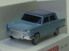 Wiking Fiat 1800 Bleu clair - 0090 03 - 1/87