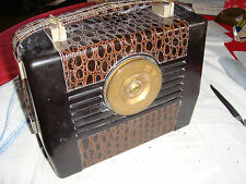 1948 RCA VICTOR GOLDEN THROAT RADIO-RETRO, VINTAGE, FAUX SNAKE SKIN, ART DECO !!