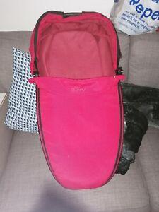 quinny foldable carrycot Read description