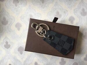 Porte clefs Louis Vuitton neuf