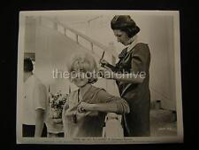 60s Candid Doris Day Send Me No Flowers VINTAGE PHOTO 354B