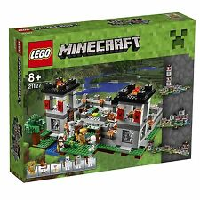 Lego Minecraft Playset 21127 The Fortress a