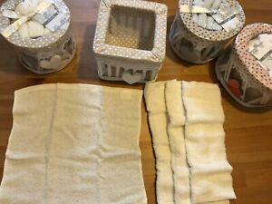 Set of four face towels with wooden basket, 100% cotton