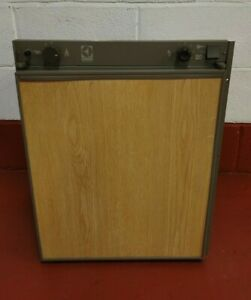 ELECTROLUX RM212 3-WAY FRIDGE WITH FREEZER COMPARTMENT - TESTED & WORKING