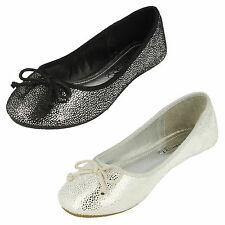 De Chica Spot On Negro Plata Zapatos SIN CIERRES GB Tallas 10-2 h2307
