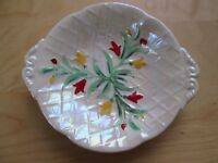VINTAGE WADE HAND PAINTED FLORAL PATTERN DISH