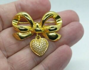 Vintage Signed WD Gold Tone Crystal Pin Brooch