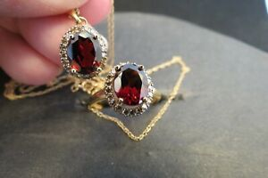 Garnet and Champagne Diamond ring and necklace set. 14K gold. 18 inch gold chain