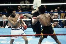 Old Boxing Photo Sugar Ray Leonard Looks To Throw A Punch Against Roberto Duran