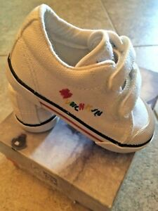 Stride Rite White Canvas Sneakers NON TIE  NEW  Infants Boys  Size 6 M