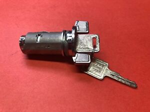 GM CHEVY IGNITION SWITCH LOCK CYLINDER CHROME BOLT IN 2 KEYS NEW IL109