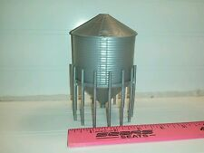 1/64 Silver Standi Toys Grain hopper Bin 2038 bu Ertl Farm Toy Building display