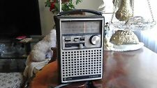VINTAGE Antique  Lloyds Radio 289A Series Model N710