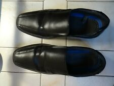 Black faux leather slip-on shoes - size 11
