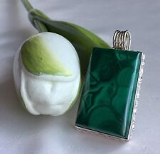 FINE QUALITY ELEGANT GREEN MALACHITE & 925 STERLING SILVER LARGE HEAVY PENDANT