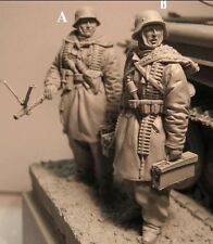 1/35 Resin WWII SS Soldiers Eastern Front (2 High Quality Figures)