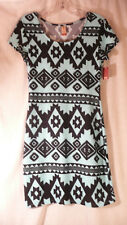 NO BOUNDARIES e  womens  NWT  knee length dress Native design short sleeve