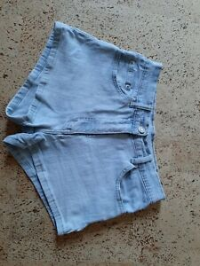 Mädchen kurze Hose Jeanshort Jeans Short Gr. 34 helles blau
