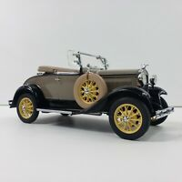 1931 Ford Model A Roadster Die-Cast Car 1:24 Scale  w/Packing Danbury Mint