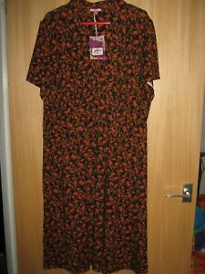 Fabulous Ladies  JOE BROWNS  Dress size 28......New with tags.