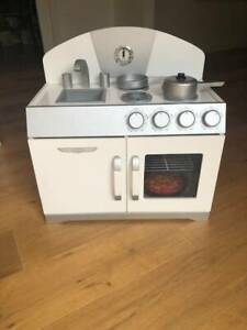 Hip Kids wooden oven and sink with cooking accessories