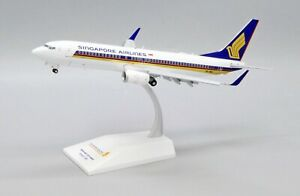 JC Wings 1:200 Singapore Airlines B737-800w 'Flaps Down' 9V-MGA Diecast Model