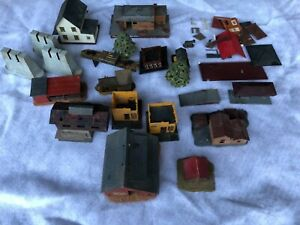 Vintage Revell HO Scale Lot 16 Buildings and Accessories