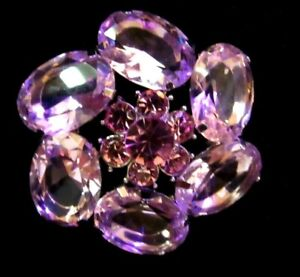 VINTAGE BROOCH PIN PRECIOUS PiNk JULIANA?Large cabs and rhinestone centerpiece
