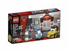LEGO® Cars - Tokyo Pit Stop Building Play Set 8206 NEW NIB Retired