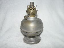 Lampe pétrole en étain ou laiton à restaurer (ref 619)
