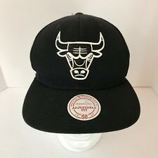 cfd5a69b017 Vintage Black Mitchell   Ness White Logo Chicago Bulls snapback Hat  Pre-owned