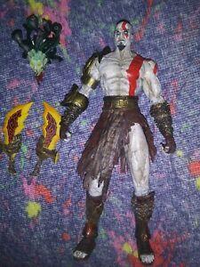 NECA God Of War 2 Kratos Golden Fleece Armor W/Medusa Head Action Figure