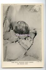 r2707 - Baby Princess Anne being kissed by Brother Charles - postcard - Tuck's
