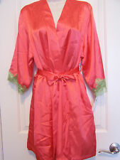 JONES NEW YORK Small/Medium Short Satin Robe with Lace Trim