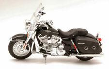 Harley Davidson FLHRC Road King Classic 2013 1:12 Model 32322 MAISTO