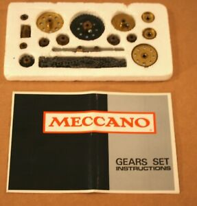 1974 MECCANO Gears Set! With Great Manual, no box.