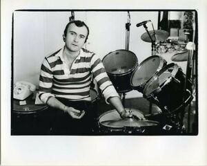 Phil Collins Genesis Iconic 1980's pose by drum kit Vintage stamped Agency Photo