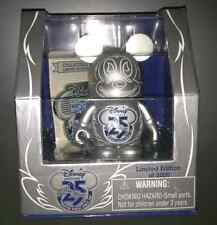 """DISNEY VINYLMATION STORE 25TH ANNIVERSARY D23 EXPO 2011 SOLD OUT W/ PIN & 3"""""""