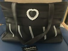 LARGE BLACK DELUXE QUALITY PURSE/HANDBAG WITH HEART.. GREAT GIFT?