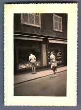 France, Magasin à Colmar  Vintage silver print.  Tirage argentique  7x10