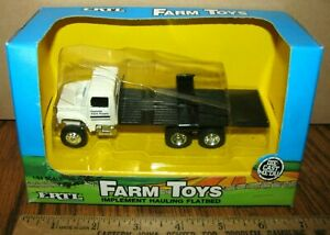 ERTL Dealer Implement Hauling Flatbed Delivery Truck 1/64  Toy #645  Farm Supply