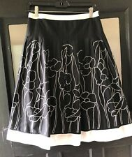Autograph New York Sz 8 Embroidered Cotton Skirt-Lined in Thin Cotton-Side Zip