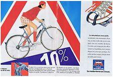 PUBLICITE ADVERTISING 044 1982 MOTOBECANE Cycles modernisme des 2 roues (2 pag