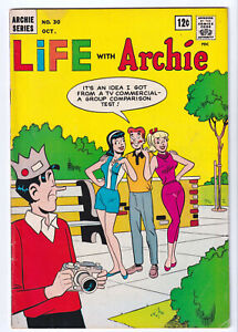 LIFE WITH ARCHIE 30 (1964) Betty and Veronica Kiss Archie C; GGA; FINE+ 6.5