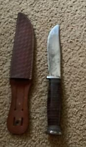 Vintage Bowie hunters knife with leather case Kabar Oleander New York