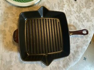 Staub Porcelain Enameled Cast Iron Grill Cooking Pan Grenadine