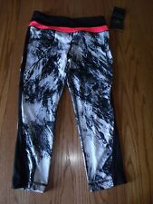 NWT WOMENS ACTIVE LIFE YOGA BLACK CAPRIS PANTS WHITE GUAVA SMALL S RUNNING
