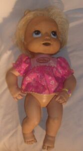2006 HASBRO SOFT FACE BABY ALIVE NEEDS CLEANING AS IS FOR PARTS PLEASE READ