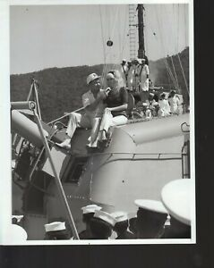 Bob Hope / Jayne Mansfield 1966 7x9 black & white tv still photo #nn