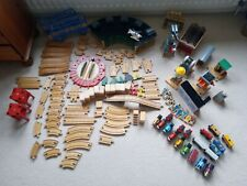 Thomas the tank engine wooden transit HUGE lot battery trains roundhouse + bag